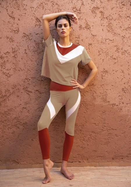 Tricolored asymmetrical cropped t-shirt in moka, red and white - pearl