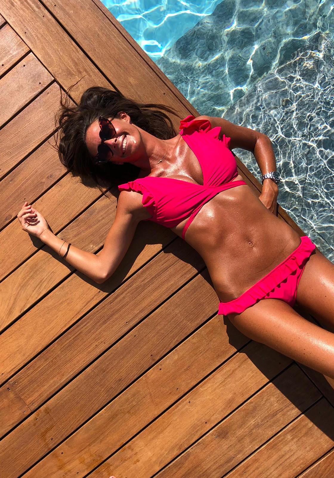 MELISSANDRE TOP Bikini briefs infuchsia waffle with ruffles -  Maillot de bain prix doux